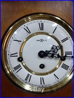 612-462 HOWARD MILLER WESTMINSTER 3 CHIMES STRIKES KEY WOUND Oak WALL CLOCK