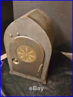 Antique New Haven Cathedral Mantle Clock Westminster Chimes Gothic Beehive