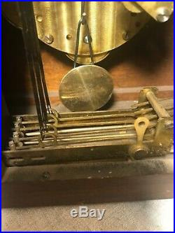 Antique New Haven Mantle Clock With West Minster Chime And Key 1930-40s
