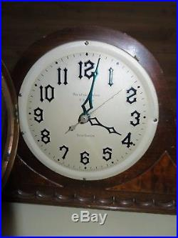 Antique New Haven Westminster Chimes Mantel Clock style N. H. S. 611-3216 NICE