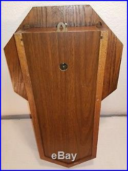 Howard Miller Model 612-533 Westminster Chime Regulator Wall Clock Oak Cabinet