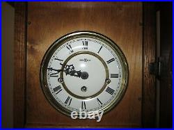 Howard Miller Quarter Hour Westminster Chime Vienna Style Wall Clock 8-Day