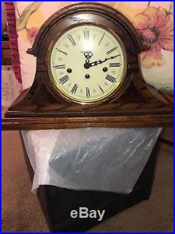VINTAGE Howard Miller Westminster Chime Mantle Clock (613-102) with Key