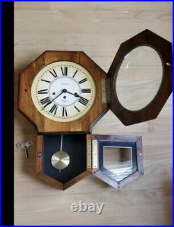 Vintage VERICHRON Wind-Up Pendulum Wood Wall Clock With Westminster Chimes